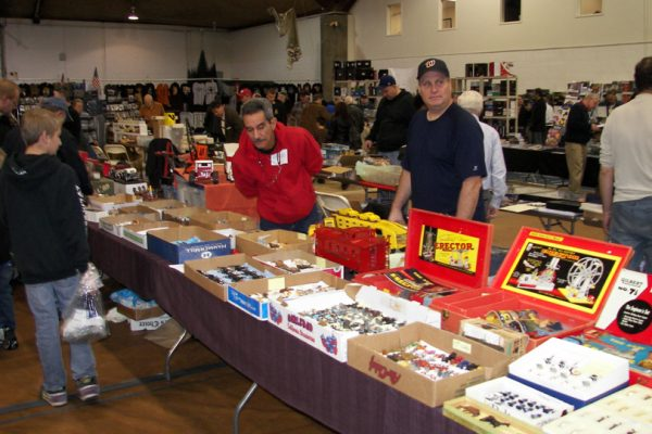 vendors at the east coast toy soldier show